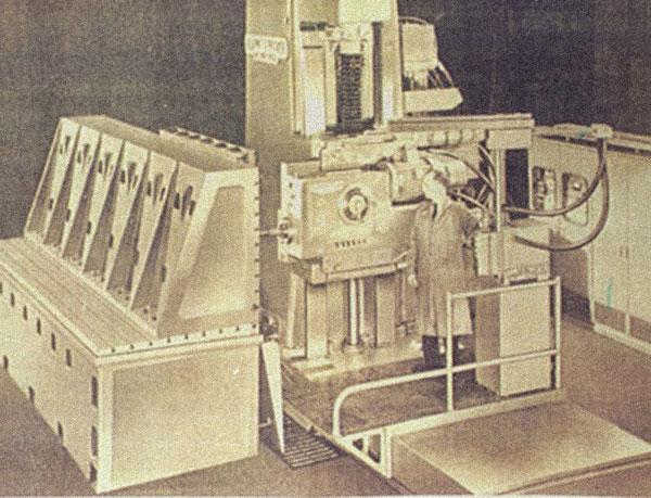 Compare la prima fresatrice a controllo numerico
